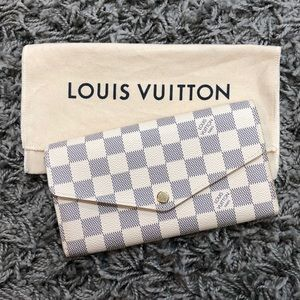 Louis Vuitton Damier Women's Sarah Wallet